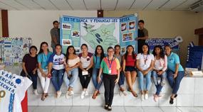 Estudiantes de Ciencias Económicas y Administrativas saludan el mes patrio