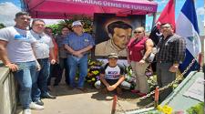 Muestras de admiración al Comandante Ricardo Morales Avilés